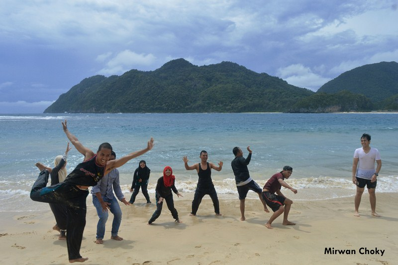 Thai Tourists in Lampuuk Beach