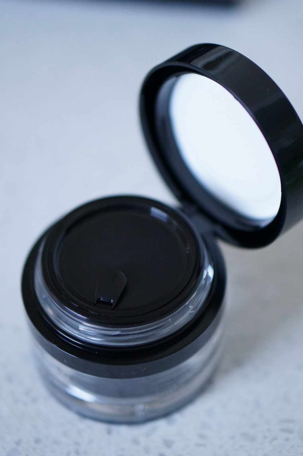 ONYX YOUTH MAGNET MASK by North Carolina beauty blogger Rebecca Lately