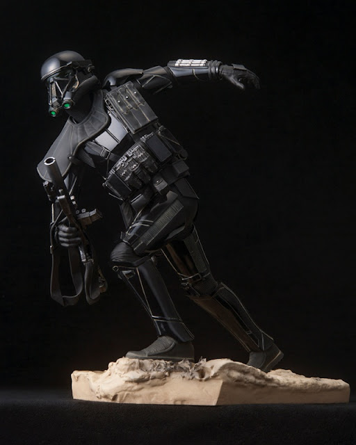 http://www.biginjap.com/en/us-movies-comics/18038-rogue-one-a-star-wars-story-artfx-death-trooper-specialist-17.html