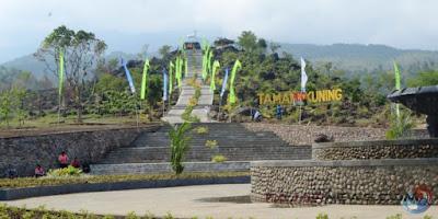 Taman yang dibangun di salah satu sudut Kebun Raya Kuningan. Foto : FajarNews.