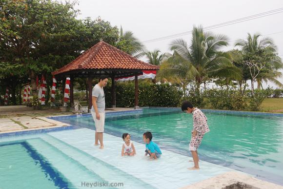 lor-in-belitung-kolam-renang