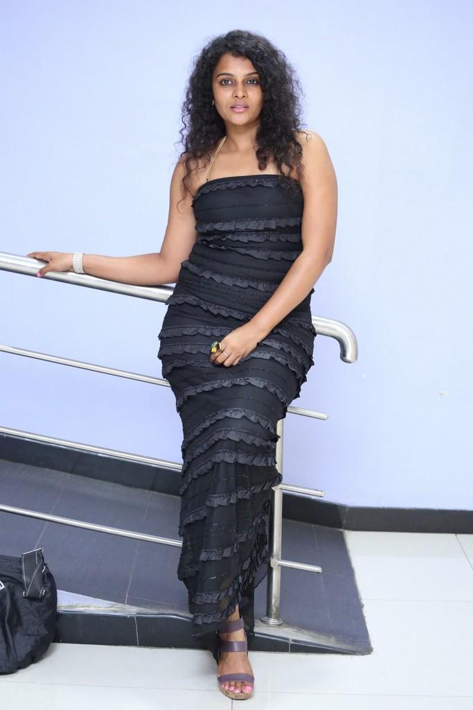 Sonia Stills In Black Gown At Maaya Maal Film Pre Release Event