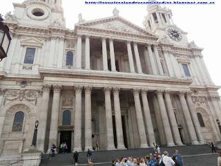 Fachada principal de la catedral de St. Paul's