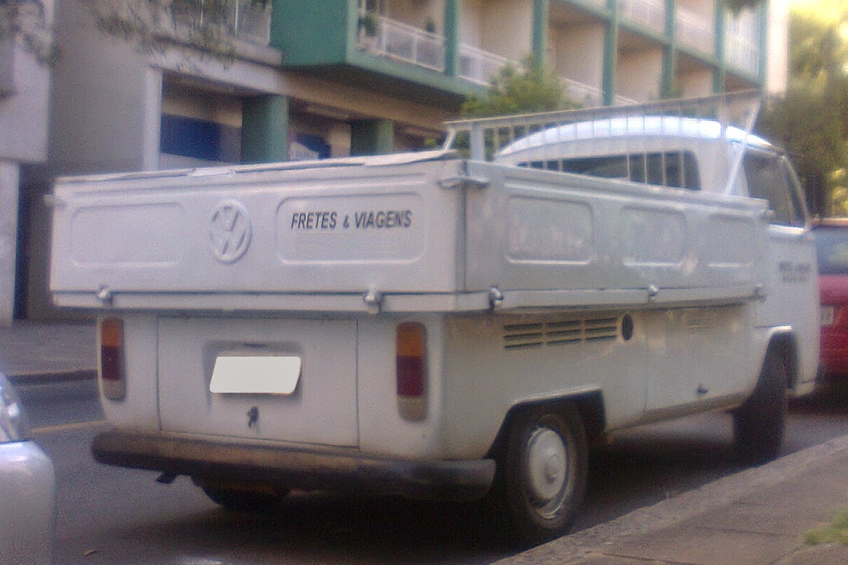 a5d2ddfeee ... a little oversized but had been a factory fit for the Kombi at least in  Brazil. Spotted this one yesterday morning while I was taking my dog for a  walk.