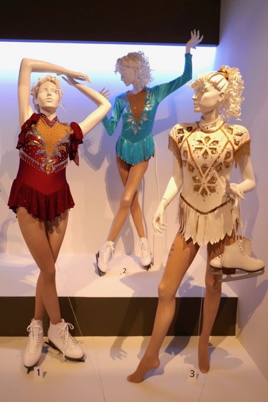 Margot Robbie I Tonya figure skating costumes