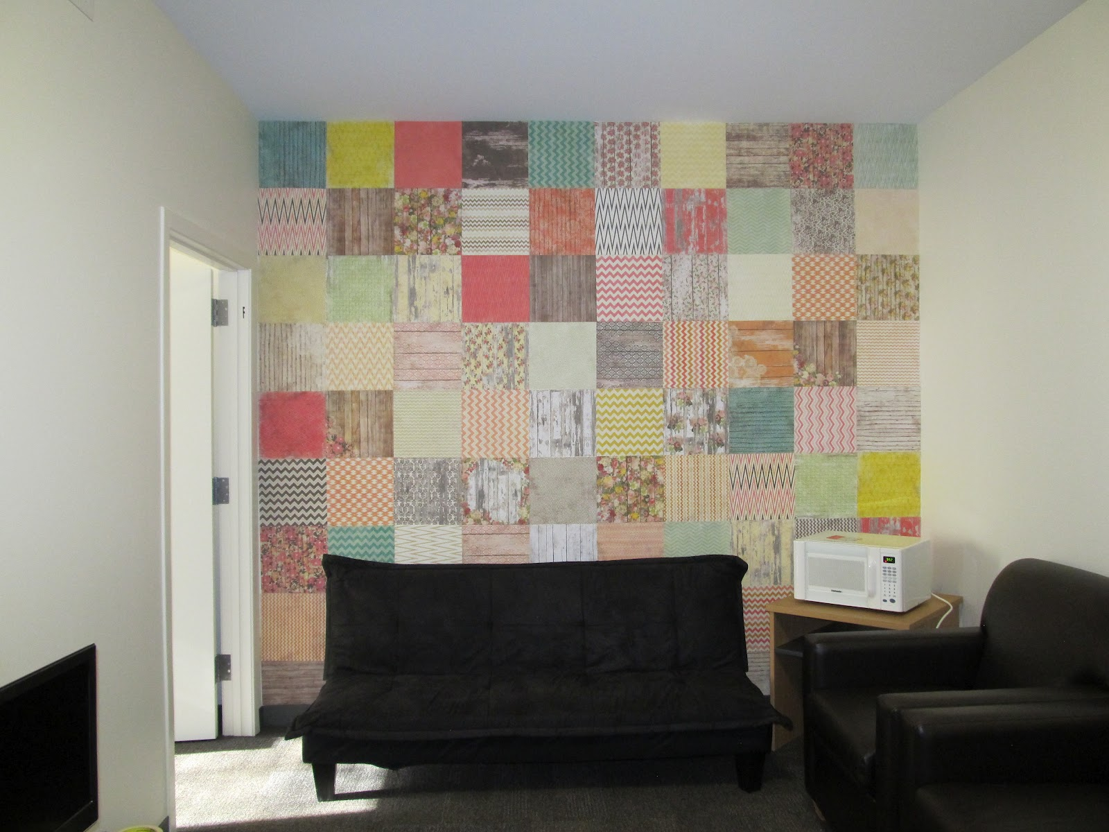 Scrapbook Paper Wall | I Wanna Major in Crafts