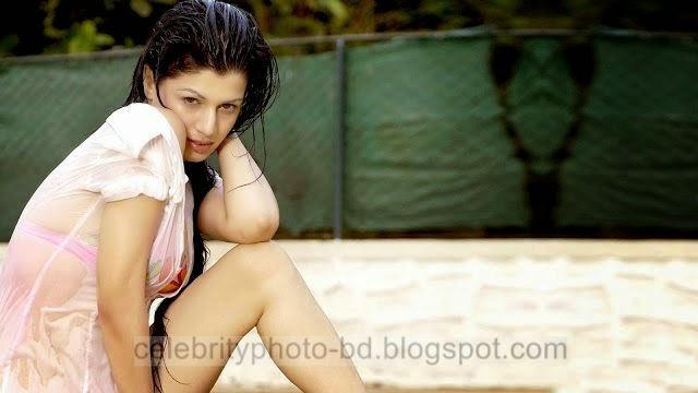 Kainaat Arora Grand Masti Actress Latest Hot Photos Collection