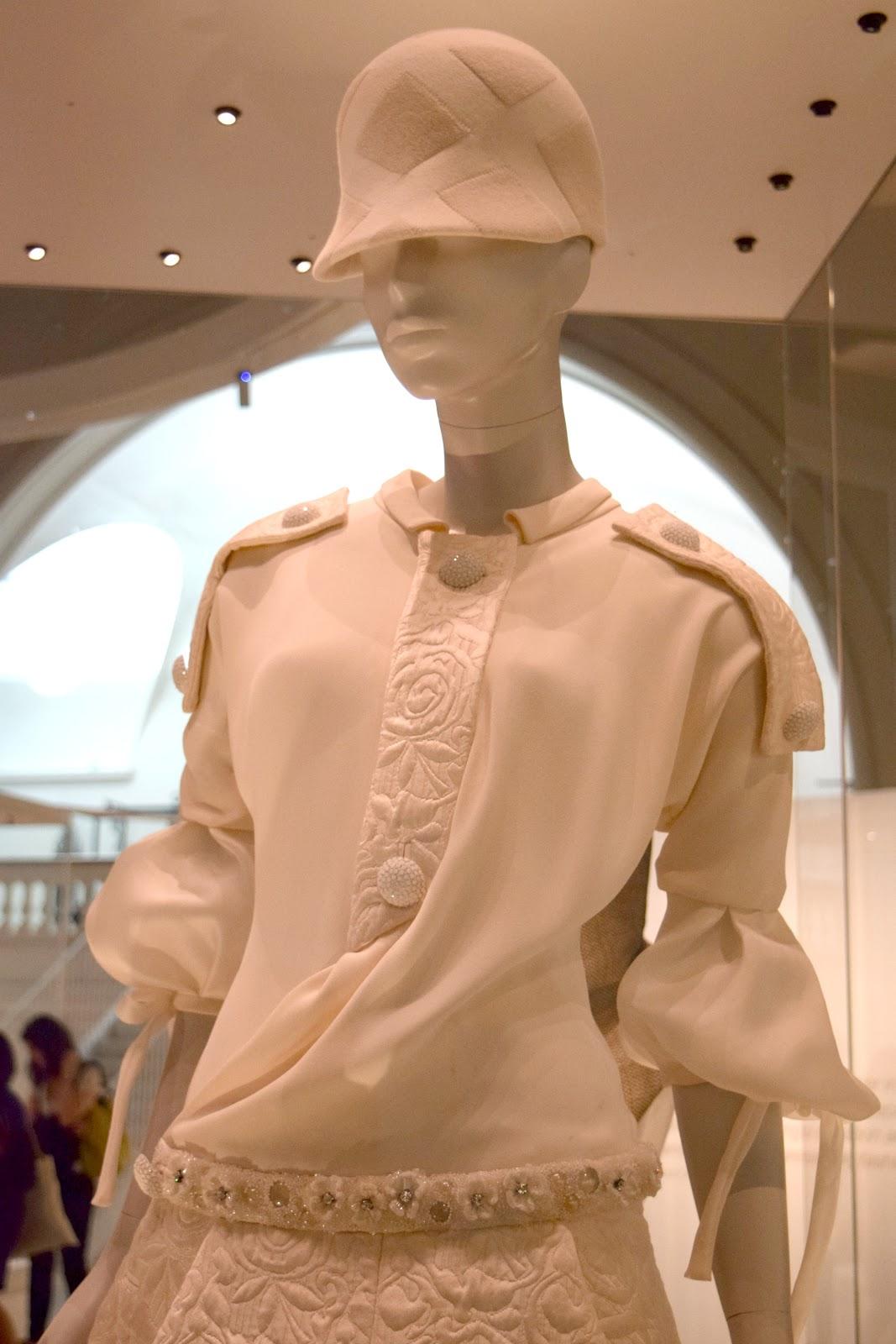 contemporary fashion influenced by Balenciaga