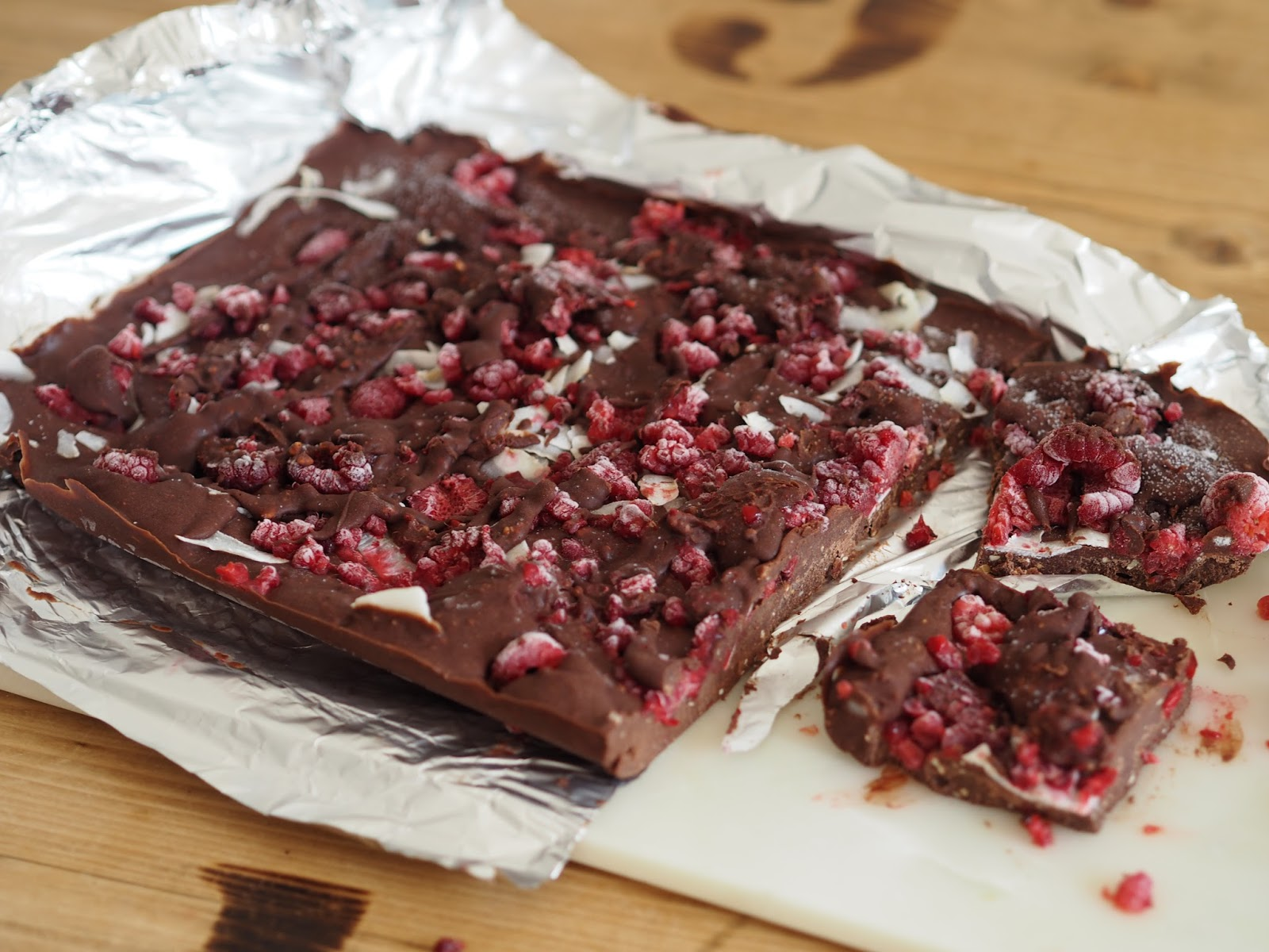 raw chocolate, raspberry and coconut fudge