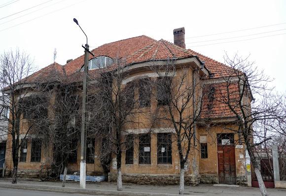 Білгород-Дністровський. Будинок по вул. Першотравневій
