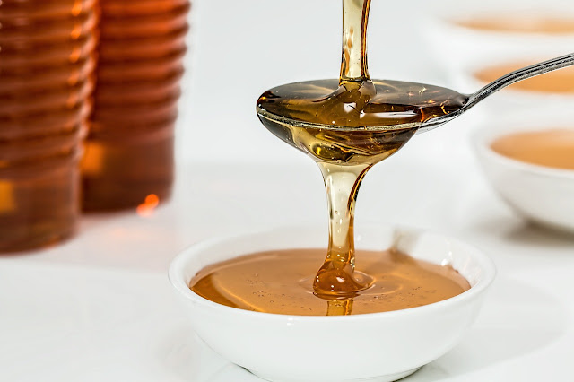 مزيج البصل والعسل لنمو الشعر