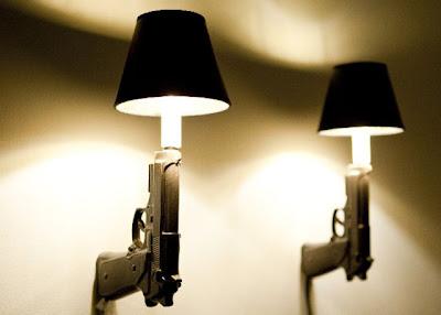lampara con pistola diseño