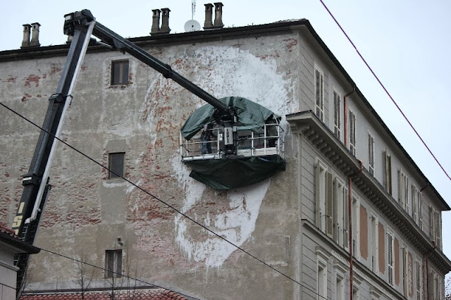 New Street Art Mural By Portuguese Artist Vhils On Via Nizza In Turin, Italy. 4
