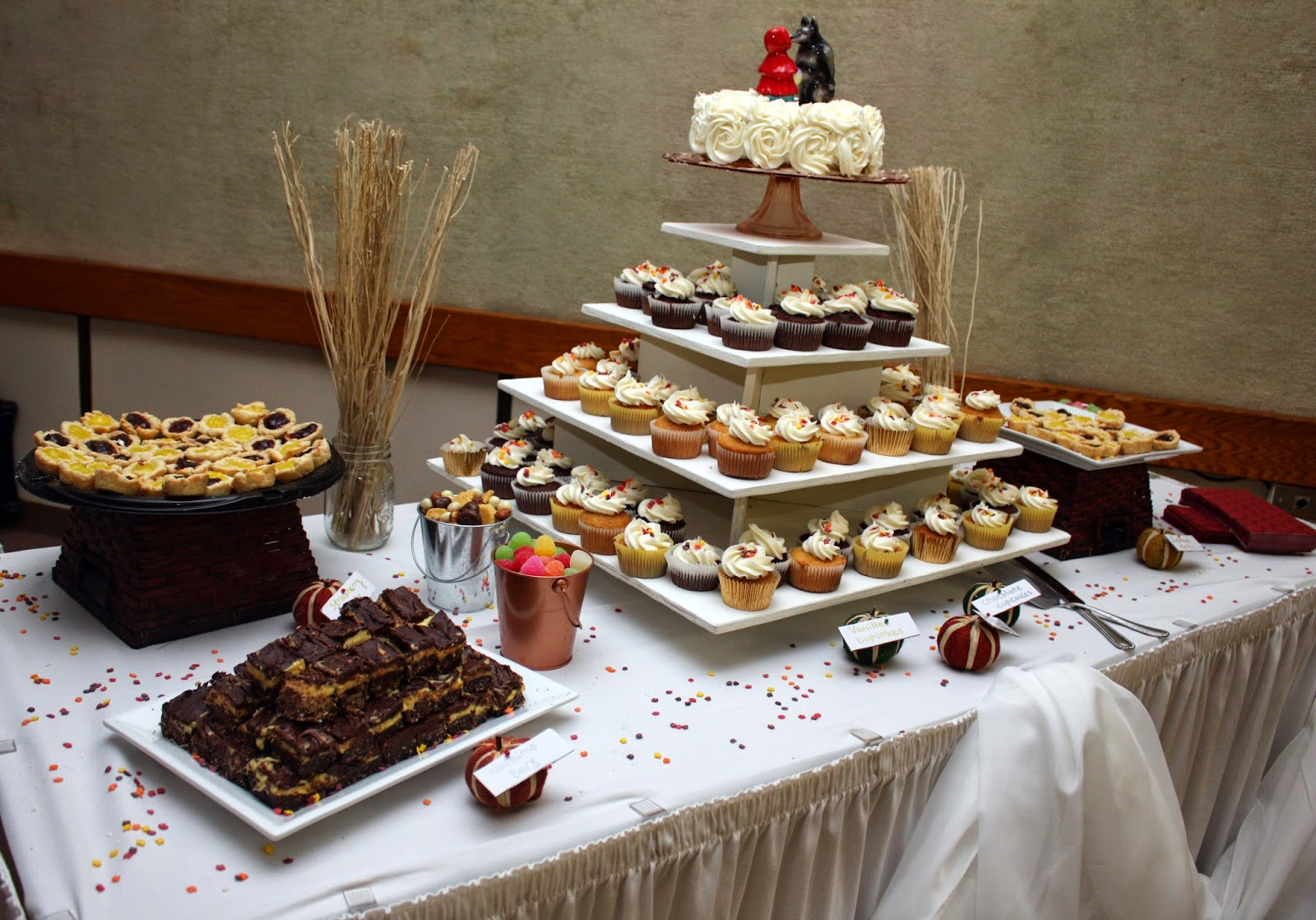 Fall harvest wedding dessert table
