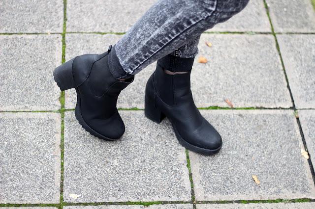 Chunky Chelsea Boots || http://www.lootieloosplasticworld.de/
