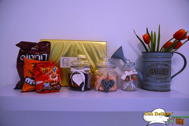 מדף מתוקים Sweets shelf