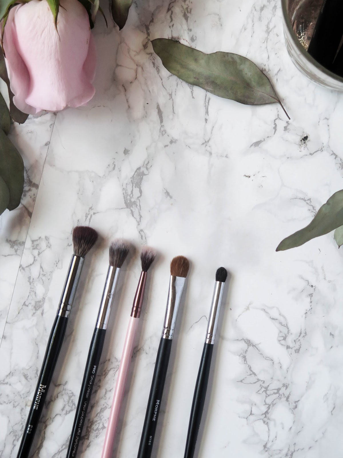 10 Must Have Holy Grail Makeup Brushes For Face & Eyes | Overview, Comparisons & Suggestions | labellesirene.ca