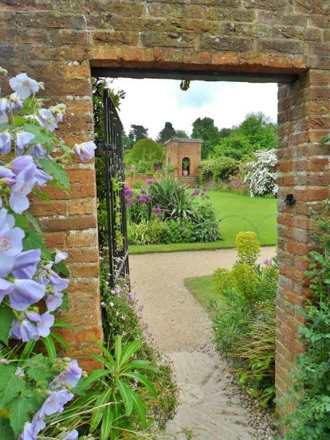 Secret Garden: 10 Amazing Ideas For Secret Gardens