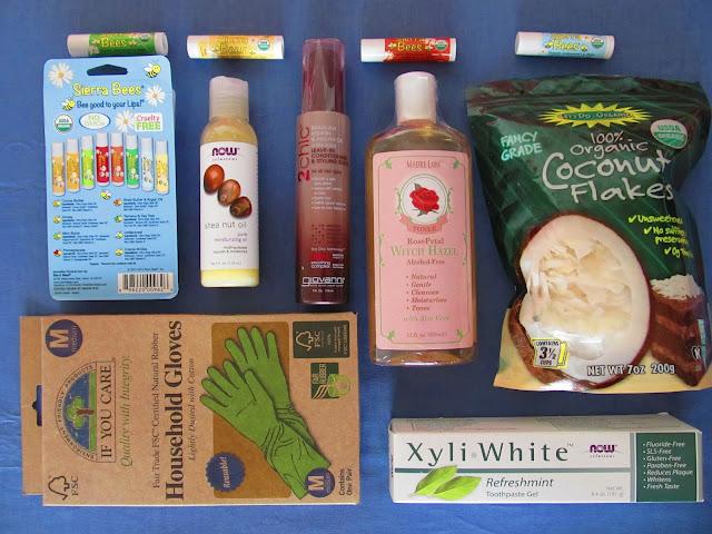 iHerb: бальзами для губ, масло ши, кондиціонер, тонік, зубна паста, рукавички та кокосові пластівці