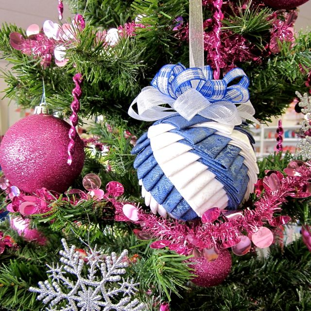 Sew It Up: Origami Christmas Ornaments