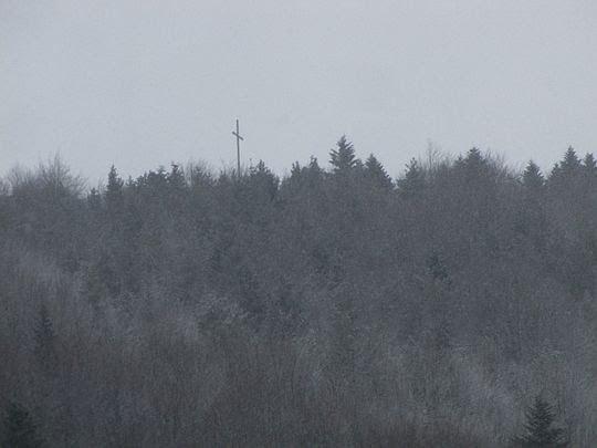 Widok na Jaworze z przełęczy.