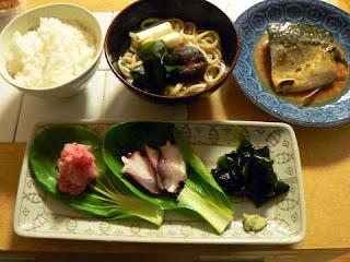うどん 刺身 サバ味噌煮セット