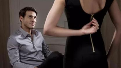Bangkitkan Gairah Seksual Wanita dengan Film Romantis