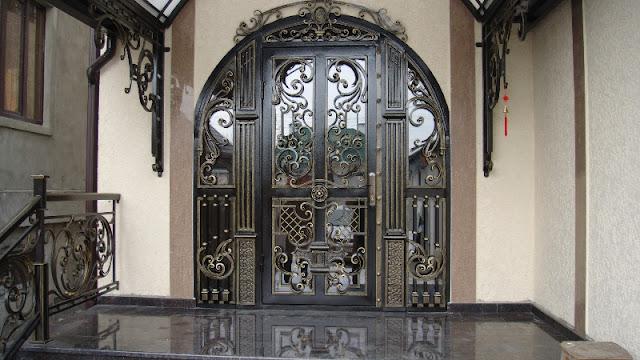 cửa sắt 2 cánh cổ điển
