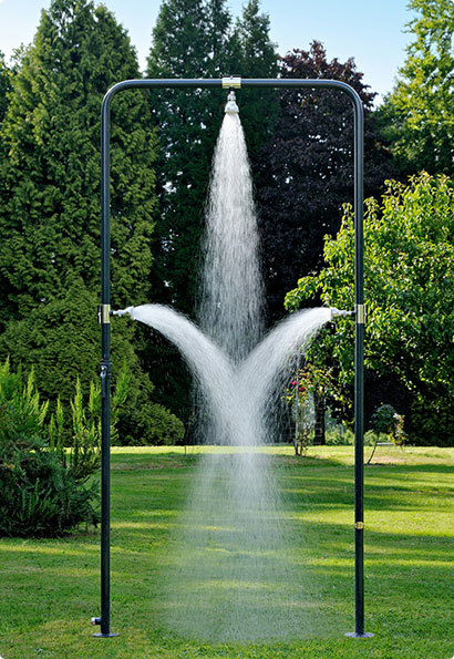 outdoor shower ideas for your garden. Black Bedroom Furniture Sets. Home Design Ideas