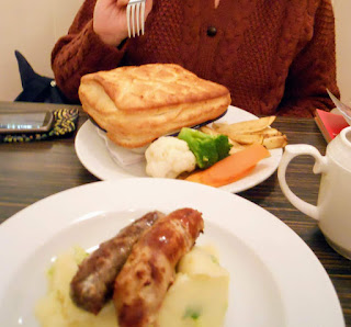 Where to eat in Edinburgh Scotland: Mums comfort food