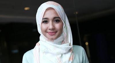 Tutorial Memakai Hijab Modis yang Simpel