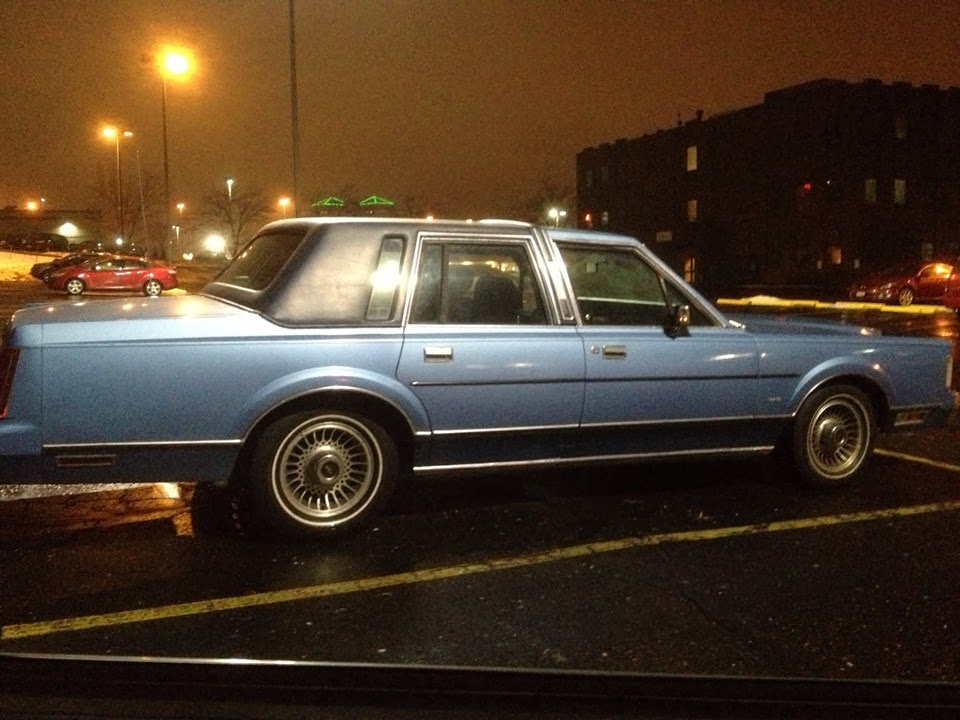 Crawling From The Wreckage: 1986 Lincoln Town Car - Liberace Was Not