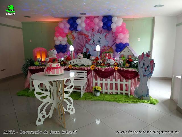 Tema Gata Marie para mesa de aniversário infantil de meninas