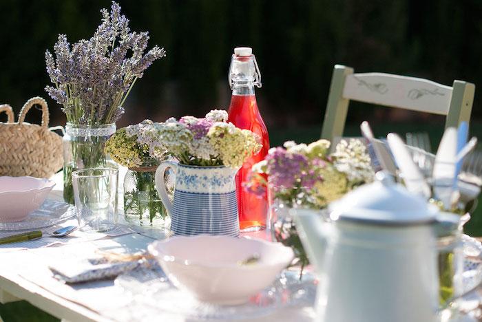 decorar mesa de verano inspirada en la provenza