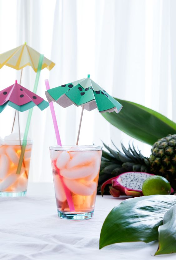 9 chic kiwi recipes and crafts to try: kiwi cocktail umbrella