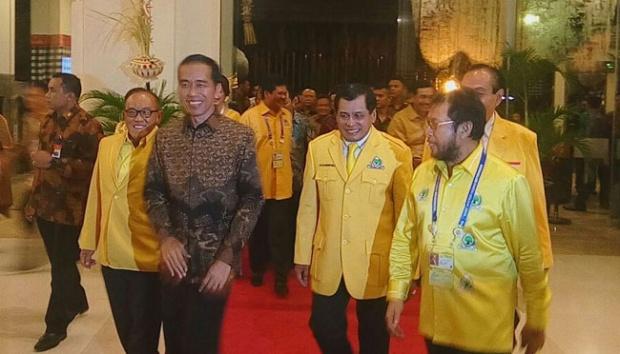 Pengamat Politik: Keluarga Besar Golkar Akan Sujud Syukur Jika Jokowi Jadi Ketum GOLKAR