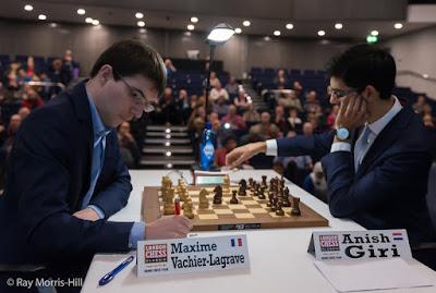 Maxime Vachier-Lagrave y Anish Giri en el London Chess Classic 2015