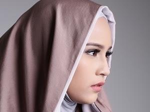 Model Hijab Selendang Menjadi Busana yang Akan Memeriahkan IFW