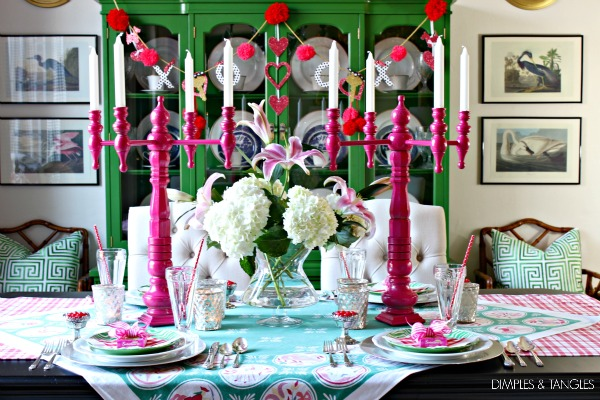 VINTAGE INSPIRED VALENTINES DAY FAMILY DINNER TABLESCAPE