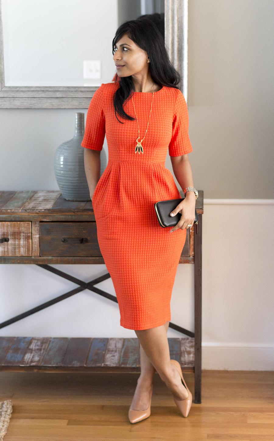 dress with pockets, bright dress, curvy figures, midi dress, nude pumps, affordable style, pointy toe pump, leg lengthening
