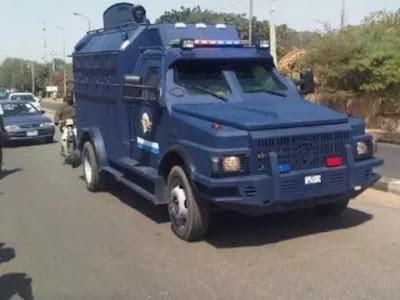 Robbers attack CBN bullion vans, kill two Mobile policemen