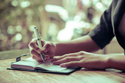 writing-may-help-your-heart-cope-with-divorce-related-stress