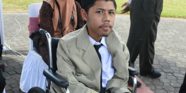 Kisah Perjuangan Pemuda Difabel Raih Impiannya Ini Sungguh Membuat Kagum