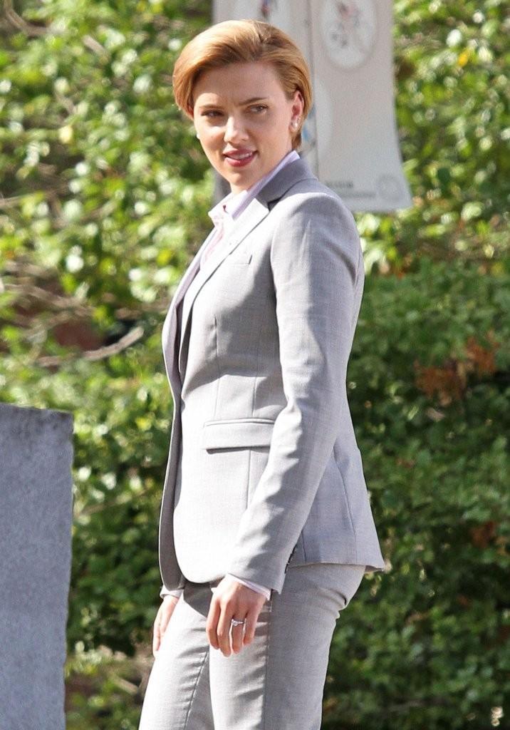 Scarlett Johansson  On 'Rock That Body' Set