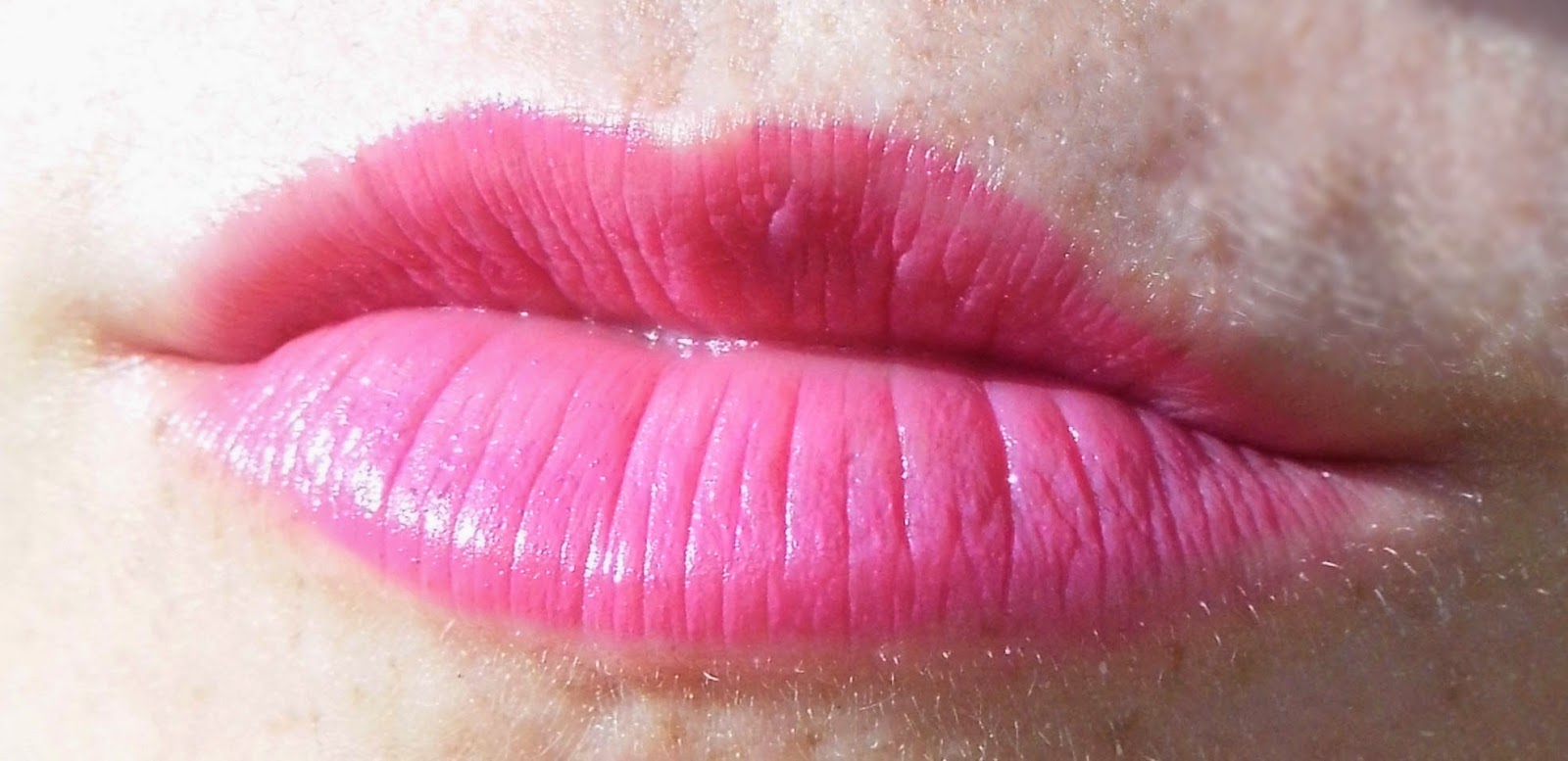 w7-cosmetics-kiss-lipsticks-pinks-fuchsia-picture-swatch