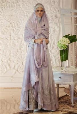 Ketika seorang muslimah sudah mantab menggunakan hijab syar Model Hijab Untuk Gaun Pengantin Syar'i