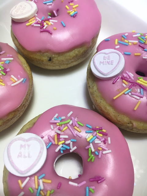 pinkki donitsi