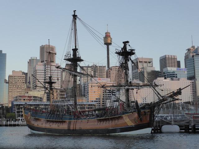 Bergantin en Darling Harbour