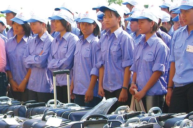 Tại sao du học sinh dễ bị nhiễm covid-19 trong khi người xuất khẩu lao động hầu như không bị nhiễm