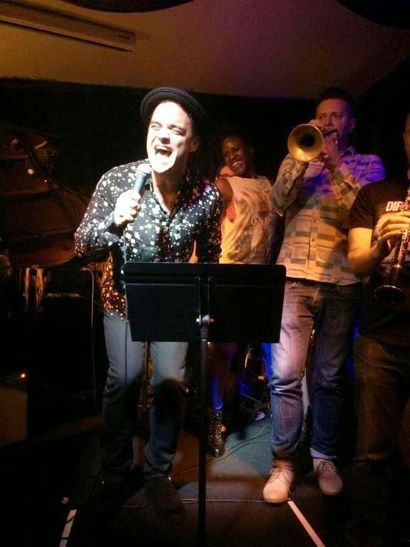 http://4.bp.blogspot.com/-clBZc-qCVEc/VBfk5d1BzFI/AAAAAAAAZdE/xQPZcEHBC84/s1600/jazz3.jpg